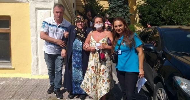 Beşiktaş Belediyesi engelli ve yaşlı vatandaşları sandığa taşıdı