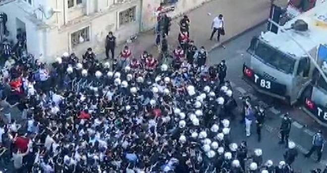 Beşiktaş'ın şampiyonluk kutlamalarında Akaretler'de arbede
