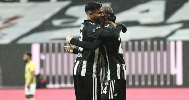 Derbi öncesinde Beşiktaş'ta Vida ve Ghezzal arasında yaşanan ilginç diyalog