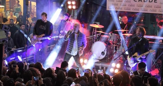 Amerika'ya giden ünlü gruptan son konser