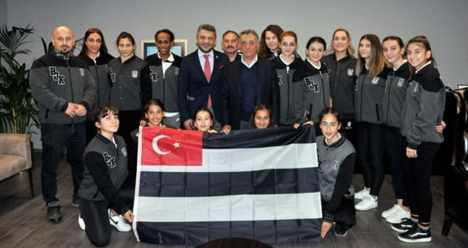 Beşiktaş Atletizm Takımından Başkan Çebi'ye ziyaret