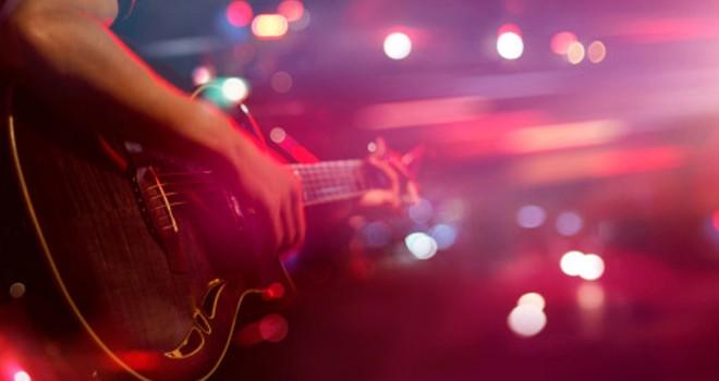 Radyo Beşiktaş'ta bağımsız müzisyenler gecesi