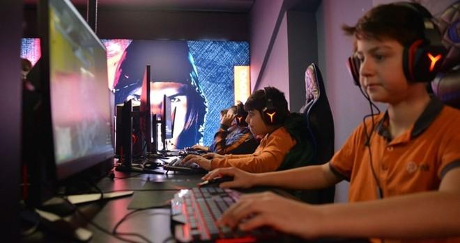 Öğrenciler Beşiktaş Lenovo Game On'daydı