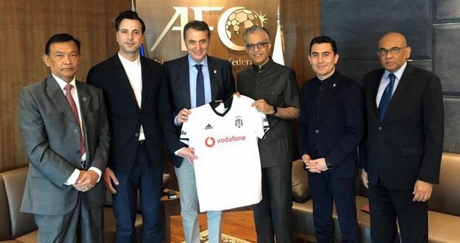 Orman, Asya Futbol Konfederasyonu Başkanı ile buluştu