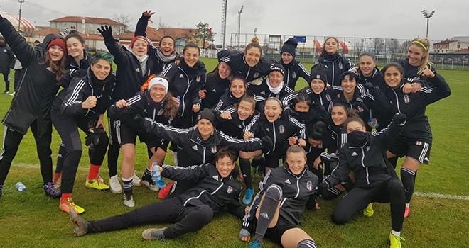 Beşiktaş JK Vodafone Kadın Futbol Takımı - İlkadım Belediyesi Yabancılar Pazarı Spor karşı karşıya