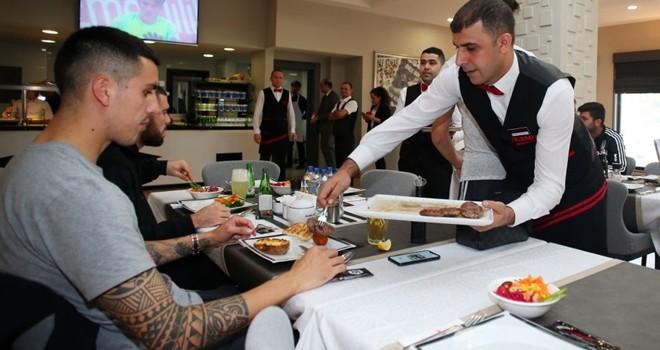 The Kırmızı Steakhouse'dan Beşiktaş'a özel menü