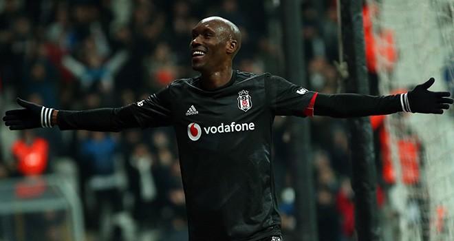 Beşiktaşla sözleşme uzatmak için görüştü