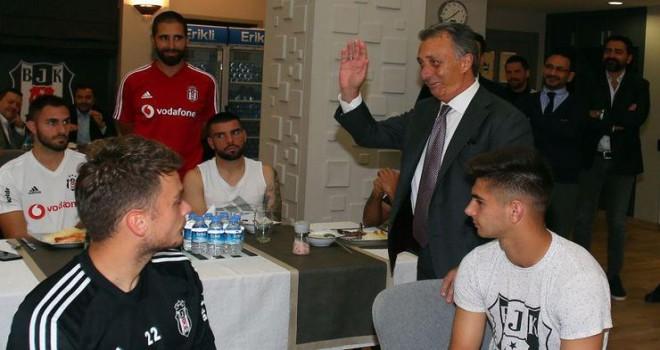 Ahmet Nur Çebi Futbolcularla Bir Araya Geldi