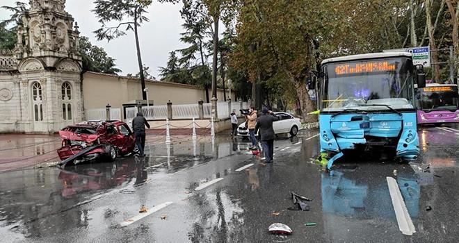Beşiktaş'ta otobüs ile otomobil çarpıştı