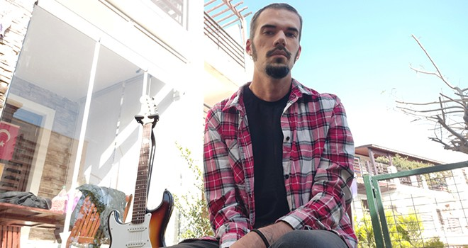 Ekin Tutkun'dan OnAir Sahne aracılığı ile yeni şarkı: Aklım Karışıyor