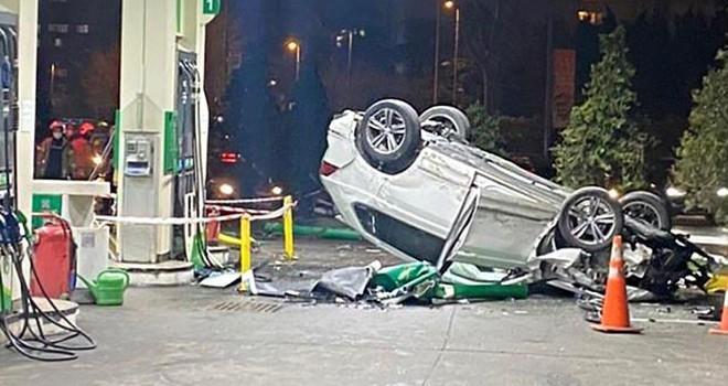 Beşiktaş'ta lüks cip benzinliğe daldı