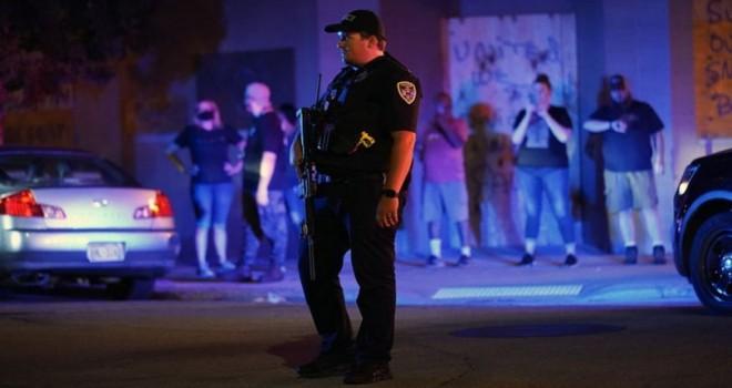 Wisconsin'deki gösteriler sırasında 2 kişi vurularak öldü