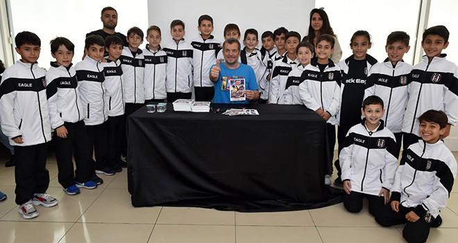 Beşiktaş'ta lösemili çocuklar yararına Kral Şakir özel gösterimi düzenlendi