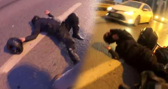 Kaza yapan motosikletliler metrelerce sürüklendi