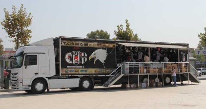 Kartal Yuvası'nın Mobil Tırı Barbaros Meydanı'nda