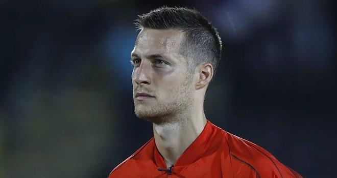 Beşiktaş'ta  Uros Spajic transferi için görüşmeler başladı