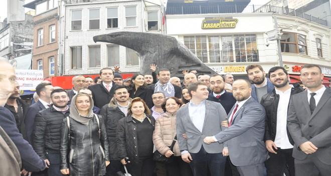 CHP'li aday Akpolat Beşiktaşlılarla buluştu