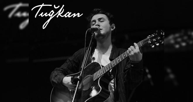 Tuğkan'dan yeni single: Aylar Olmuş