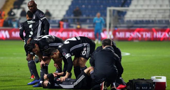 Beşiktaş'ta korkutan sakatlık