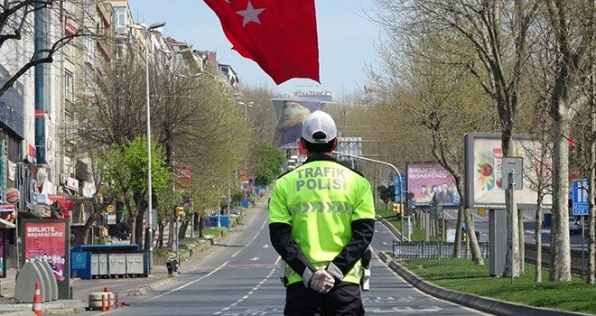 Beşiktaş'ta sokağa çıkma yasağı denetimleri
