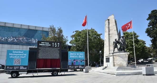 Kadın cinayetlerine ve İstanbul Sözleşmesi için Barbaros Meydanı'na Dijital Anıt