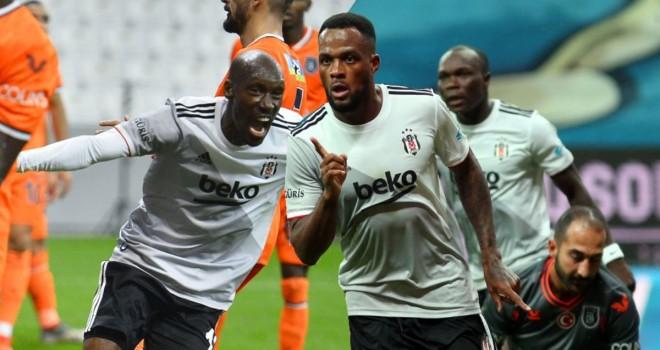 Aboubakar ve Larin oynadıkları futbolla göz dolduruyor