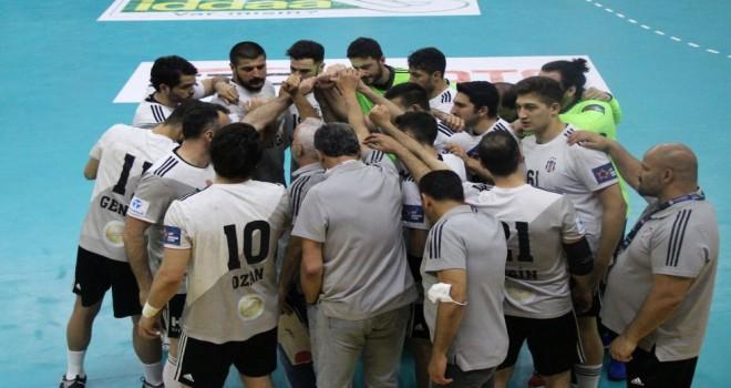 Beşiktaş Aygaz Takımı - İzmir Bş. Bld.: 28-30
