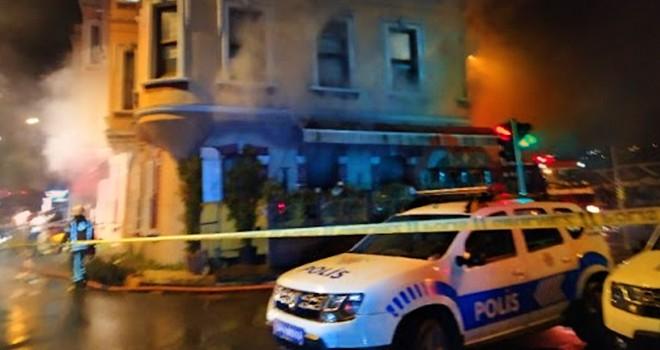 Lüks restoranda yangın çıktı çalışanlar gazetecilere saldırdı