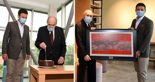 Başkan Akpolat'tan önceki dönem CHP Genel Başkanlarından Altan Öymen'e sürpriz doğum günü