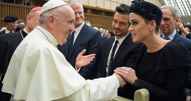 Katy Perry Vatikan'da Papa ve Orlando Bloom ile birlikte