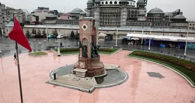 İstanbul'da meydanlar bomboş