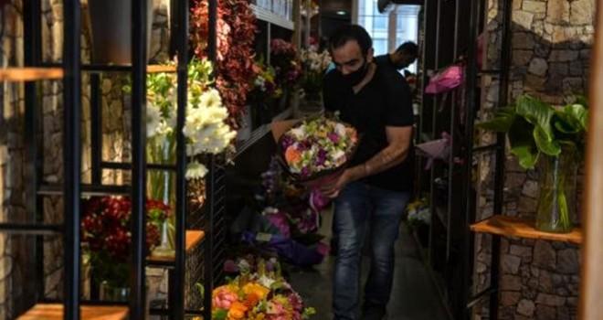 Beşiktaş'taki çiçekçilerde Anneler Günü yoğunluğu