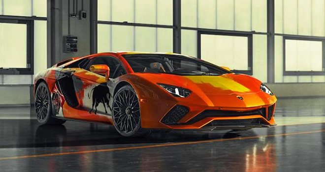 Lamborghini Aventador'u tuvale dönüştüren sanatçı