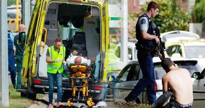 Yeni Zelanda'da iki camiye silahlı saldırıda 40 kişi öldü