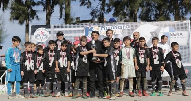 Beşiktaş U-11'de şampiyonluk sevinci