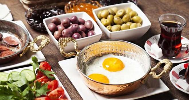 Ramazan'da  sağlıklı ve doğru beslenme