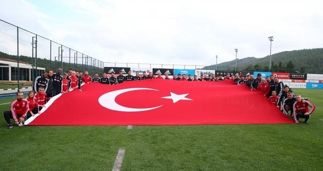 Beşiktaş'ta maç hazırlıkları ve Cumhuriyet Bayramı kutlaması