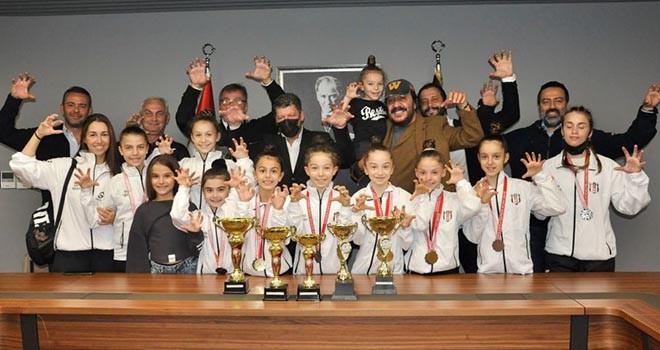 Beşiktaş Jimnastik Takımı Vodafone Park'ta!