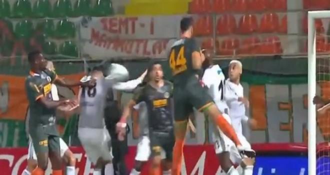 VAR'dan gelen penaltı kararı
