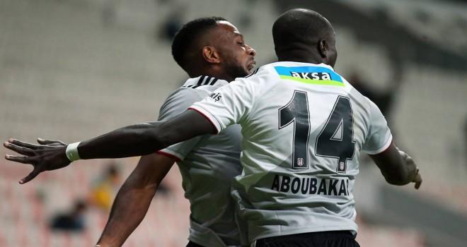 Larin ve Aboubakar ikilisi futboluyla göz dolduruyor