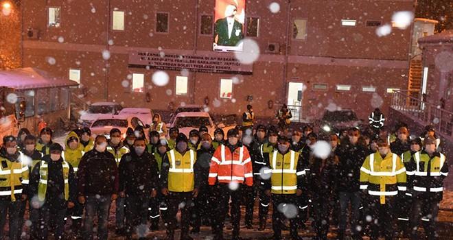 ÖZEL HABER: Beşiktaş'ın karla imtihanı! 7/24 karla mücadele! 23 mahalle 960 sokağa müdahale!
