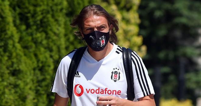 Beşiktaş'ın yeni sözleşme teklif ettiği Caner kararını açıkladı