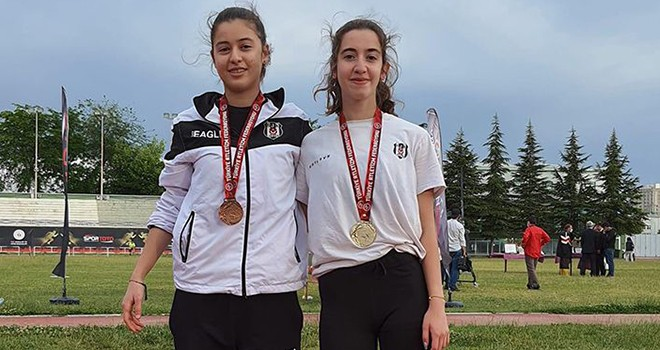 Siyah-beyazlı atlet Türkiye Şampiyonu oldu
