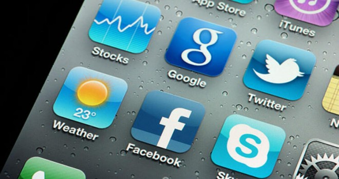 Facebook ve Google evden çalışmayı yıl sonuna kadar uzattı