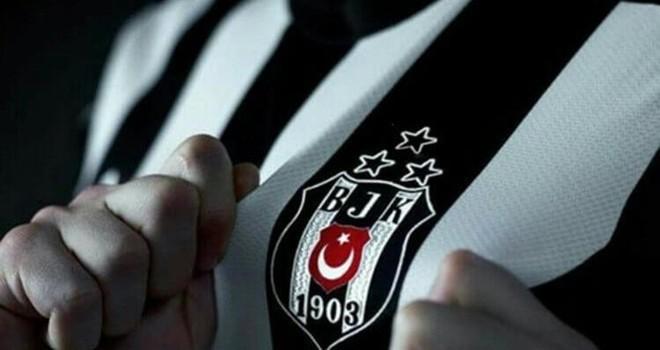 Ünlülerden Beşiktaş'a tam destek