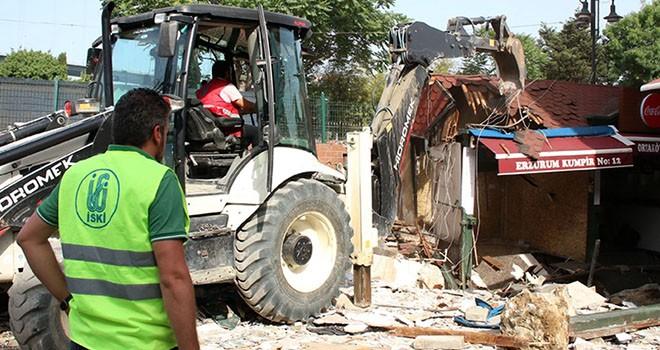 Ortaköy'de dükkanlar yıkılıyor