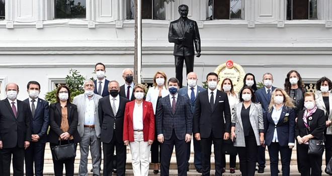 Beşiktaş için çalışan muhtarları kutladılar