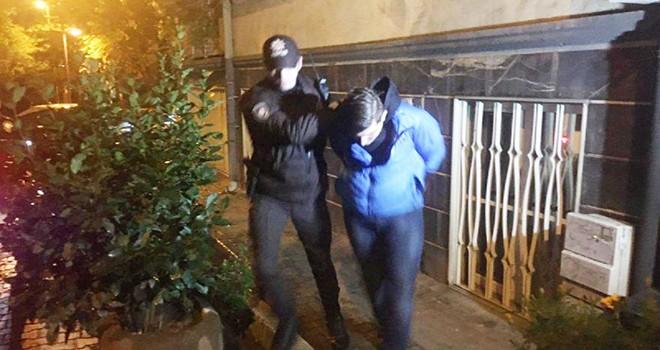 Şair Anday'ın heykelini yakan 4 kişi gözaltına alındı
