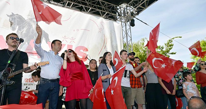 19 Mayıs coşkusu Beşiktaş'ta yaşanacak!