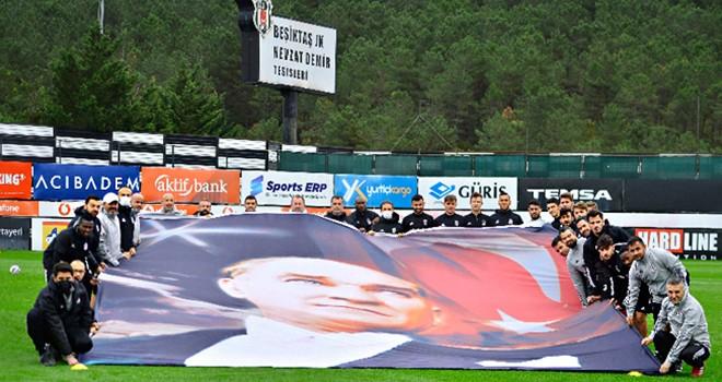 Beşiktaş JK: Atatürk'ü saygıyla ve özlemle anıyoruz